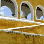 107-IZAMAL PARED AMARILLA